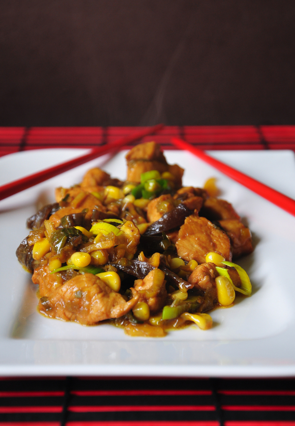 chicken with ginger and chinese blac mushrooms