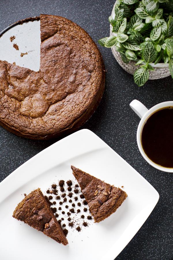 no flour keto chocolate cake (no sugar and glutenfree)