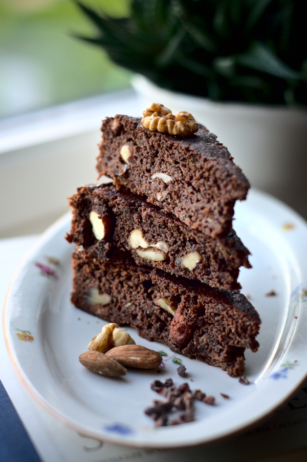 keto chocolate courgette cake