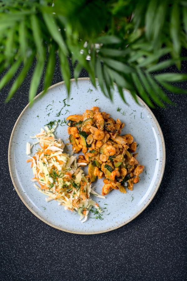 keto tandoori chicken, prawn & courgetteskillet