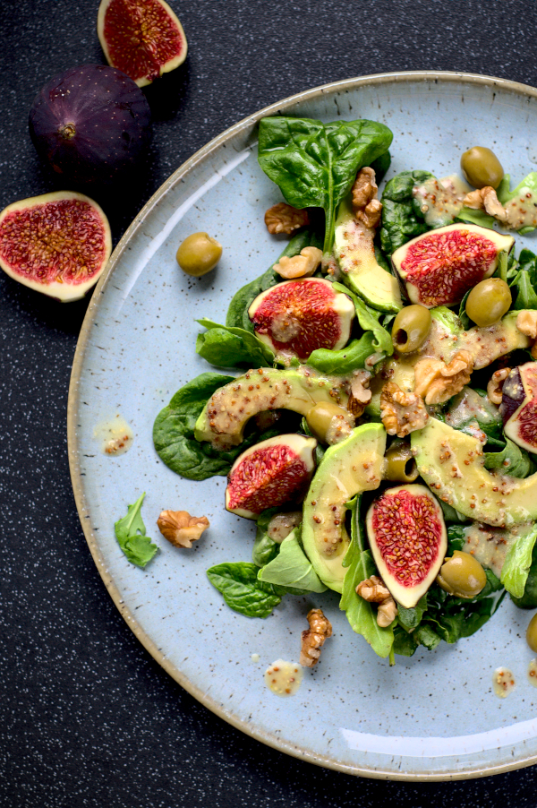 quick morning salad with figs & tangy dressing