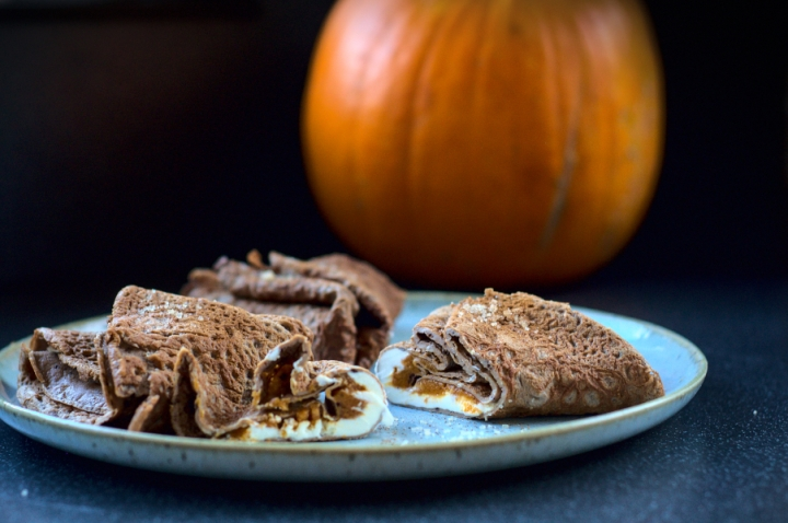 keto cacao crepes with pumpkin & cream cheese